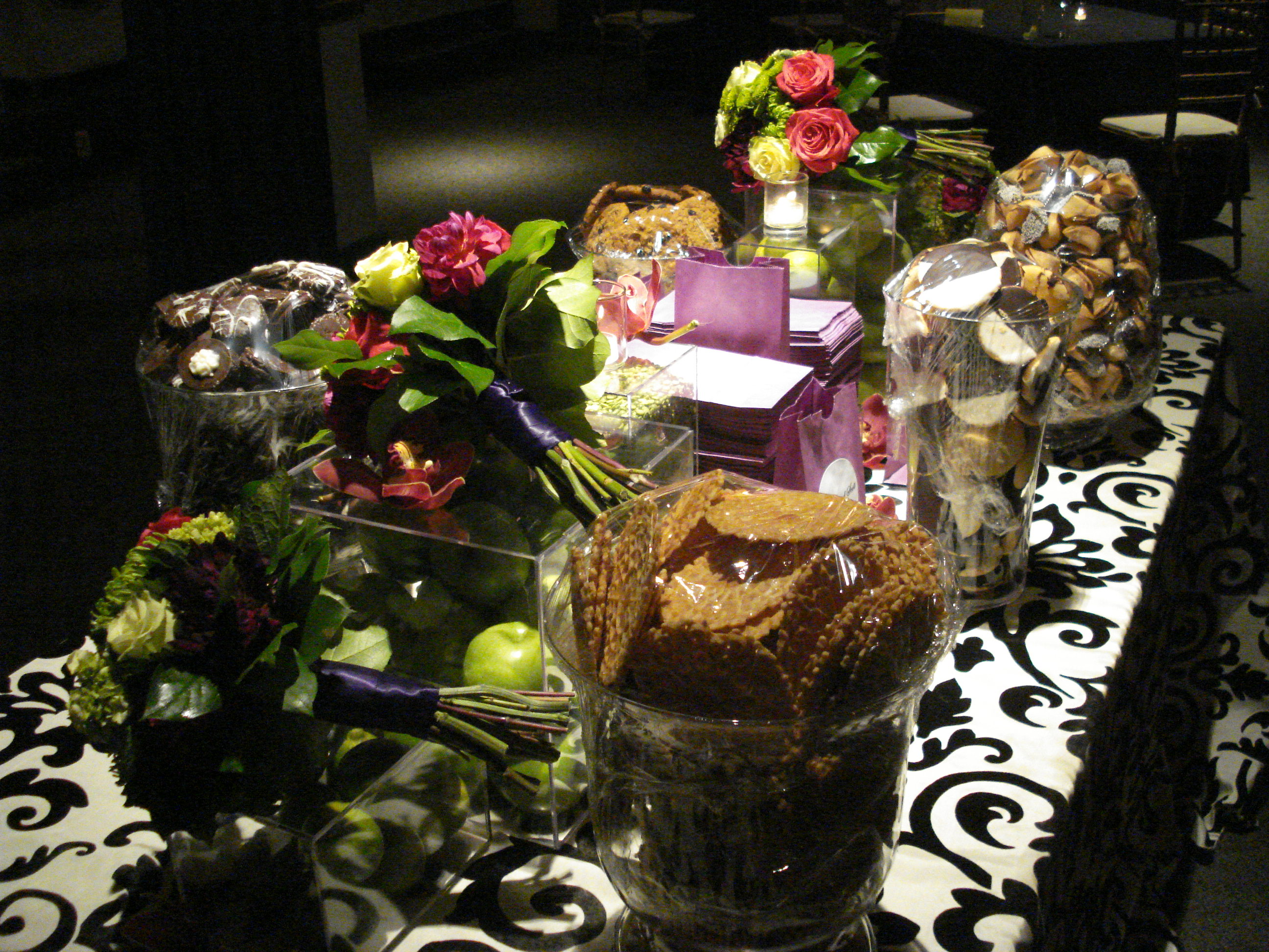 wedding cookies buffet