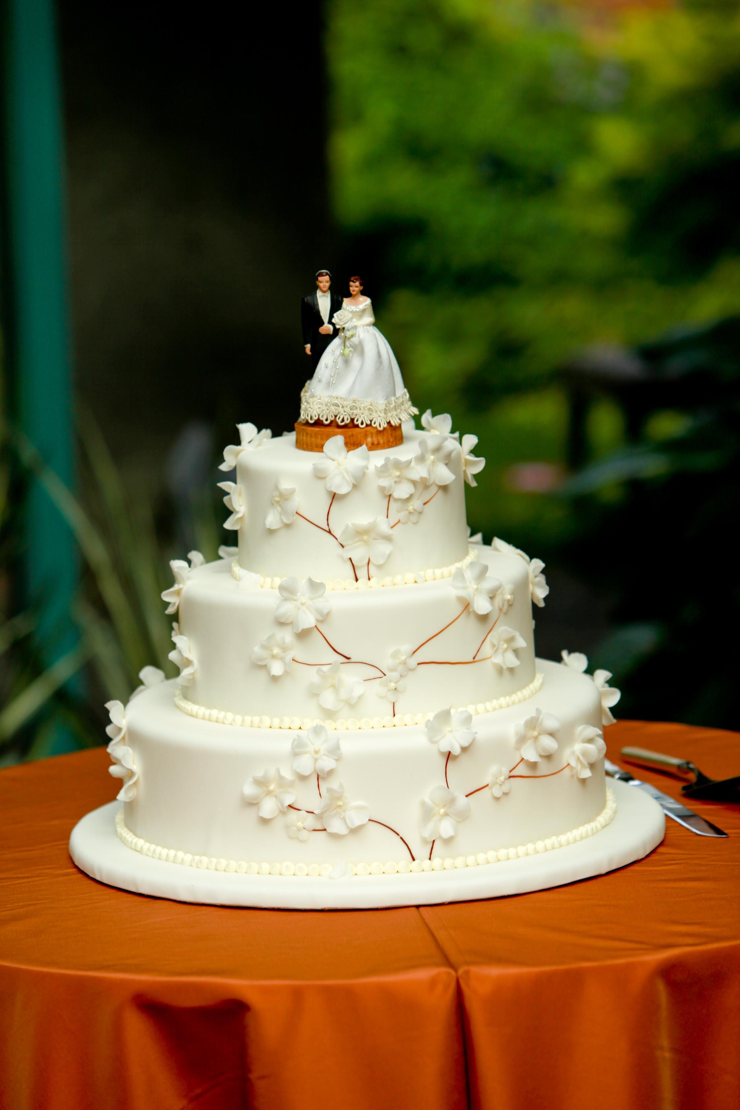 Windows Catering Grand Marnier wedding cake at Meadowlark fall