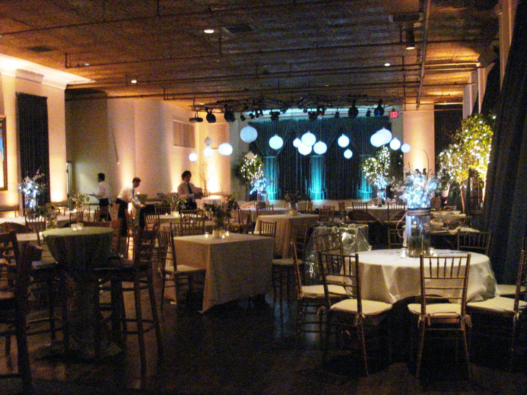 cocktail style reception seating