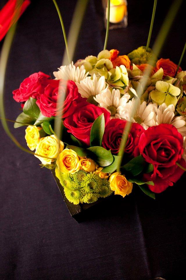 tierra floral design mdoern centerpiece