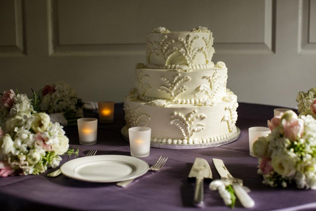 Heidelberg Bakery wedding cake River Farm