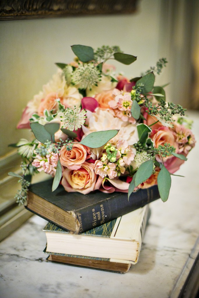 bouquet-Petals-Edge-blush-mint-green-romantic