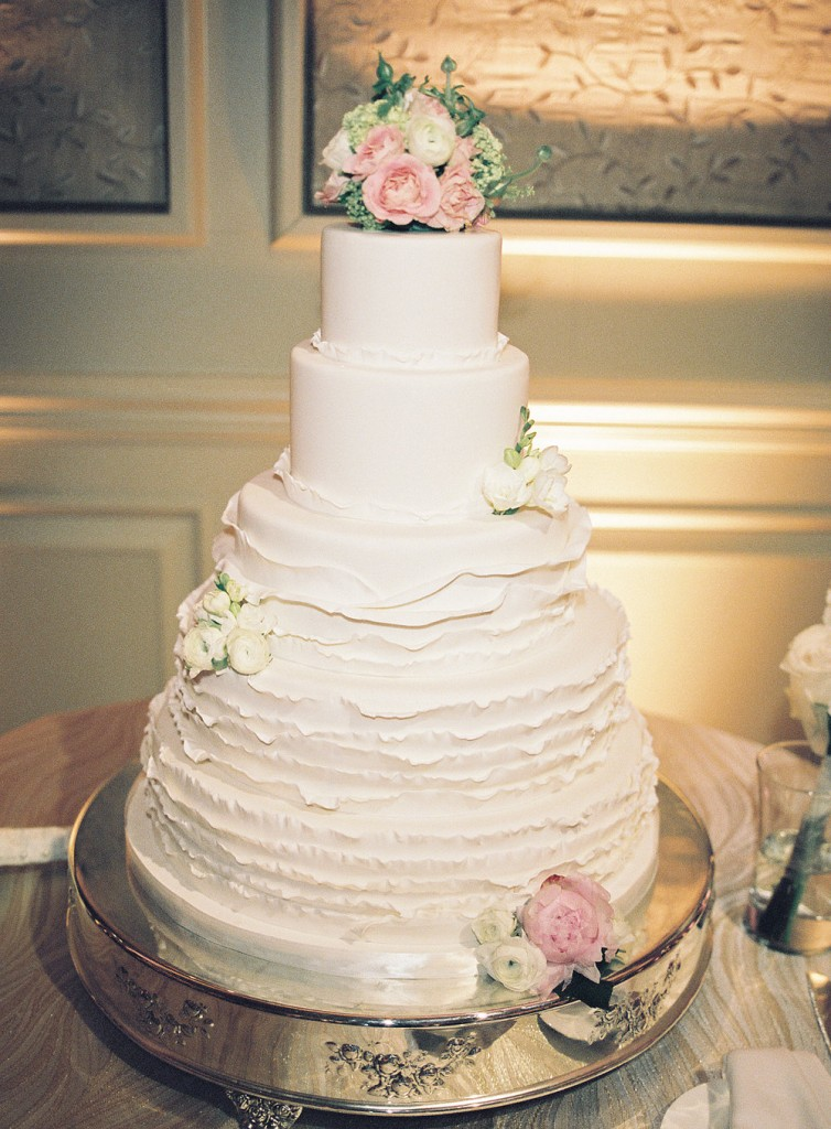 salamander resort middleburg wedding cake