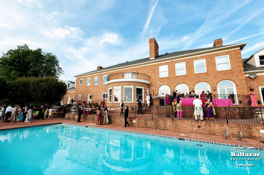 cocktail-hour-mansion-wedding-susnset-crest-manor-poolside