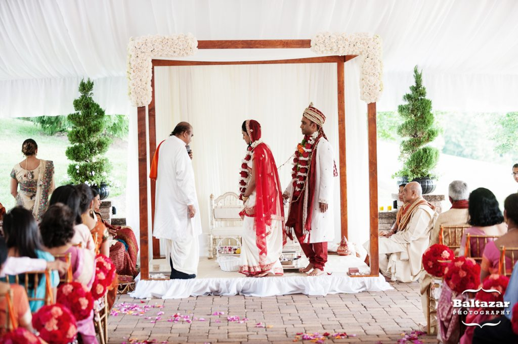indian-hindu-wedding-mandap-wood-outdoor-tent