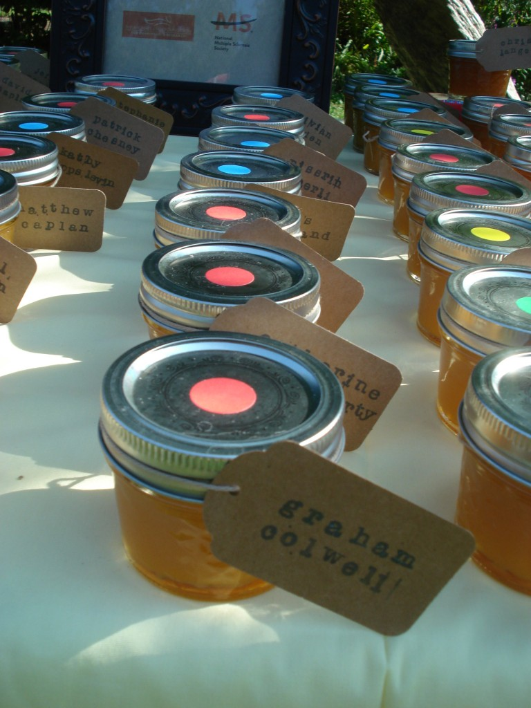 homemade peach jam wedding favors