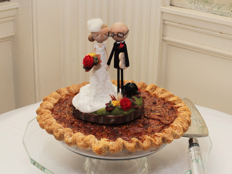 cake topper Pie Sisters wedding