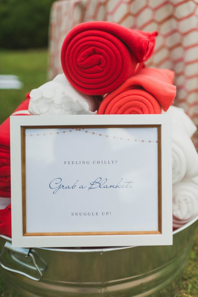 cold fall outdoor wedding blankets