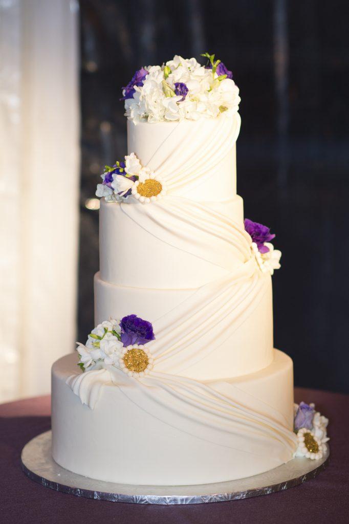 round fondant wedding cake drape