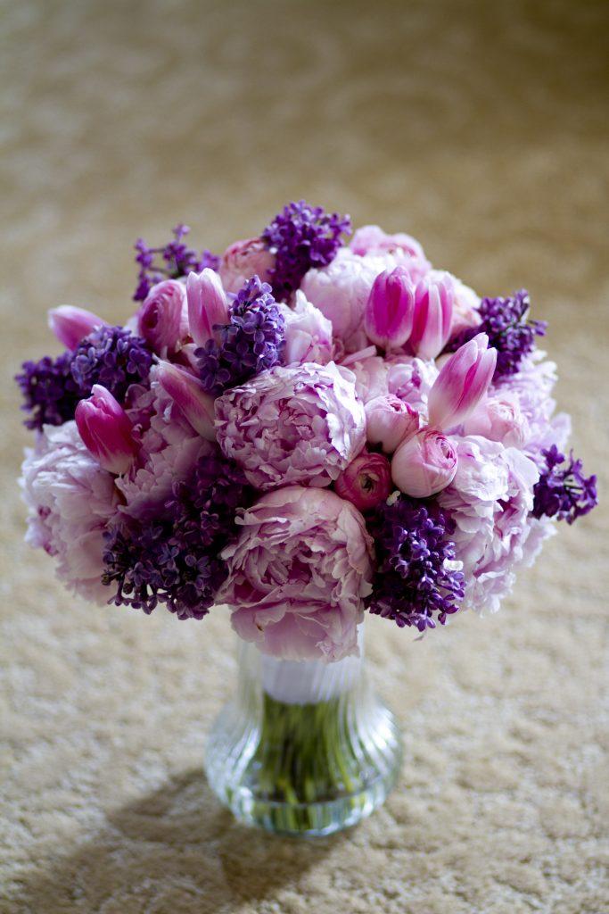 Davincis-Florist-boquet-pink-peonies-pink-ranunculus-pink-tulips-lavender-lilac