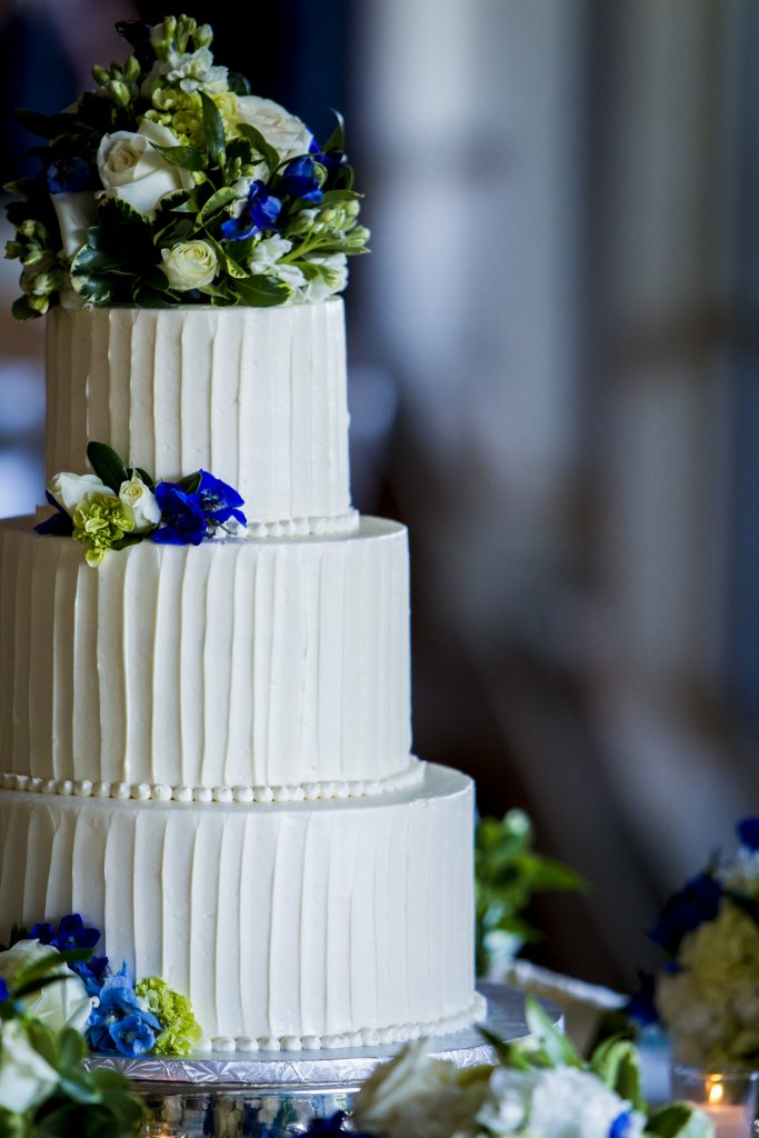 Sweet-Ladies-Bakery-wedding-cake-textured-buttercream