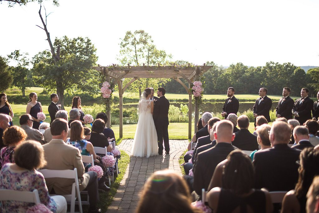 bull-run-golf-club-spring-wedding-ceremony-outdoor