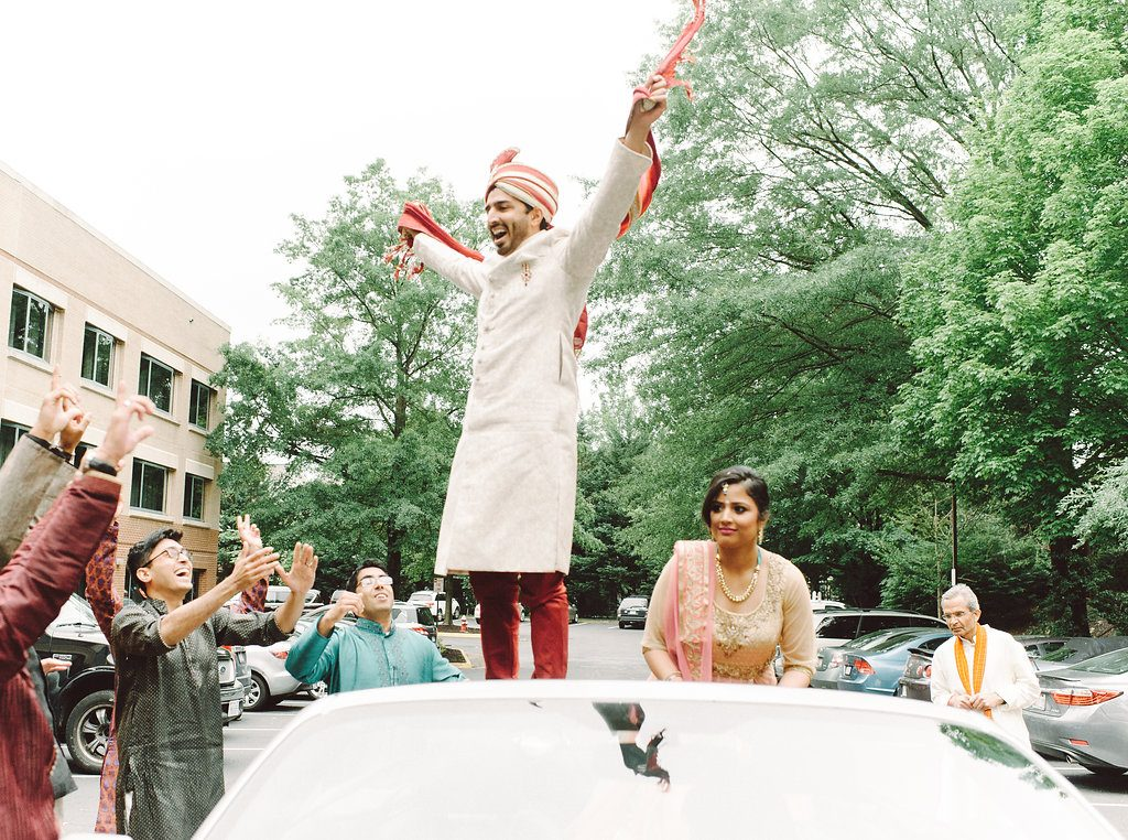 indian-wedding-virginia-sheraton-tysons-hotel-baraat-car