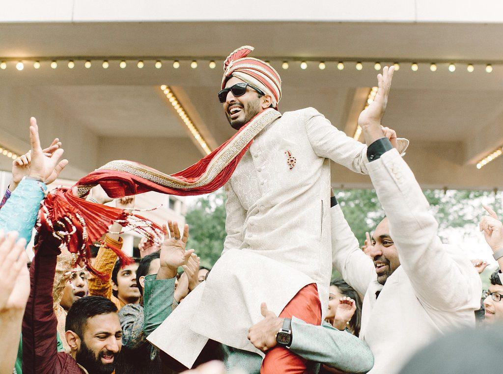indian-wedding-virginia-sheraton-tysons-hotel-baraat-dancing