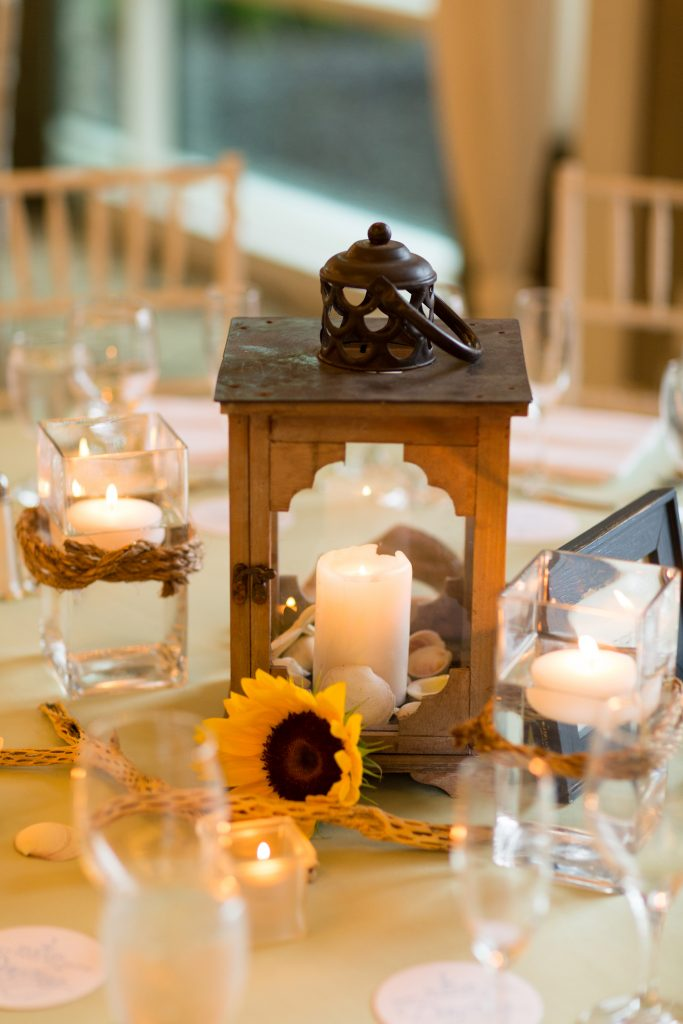 nautical-centerpiece-wedding-sunflower-driftwood-lantern-rope