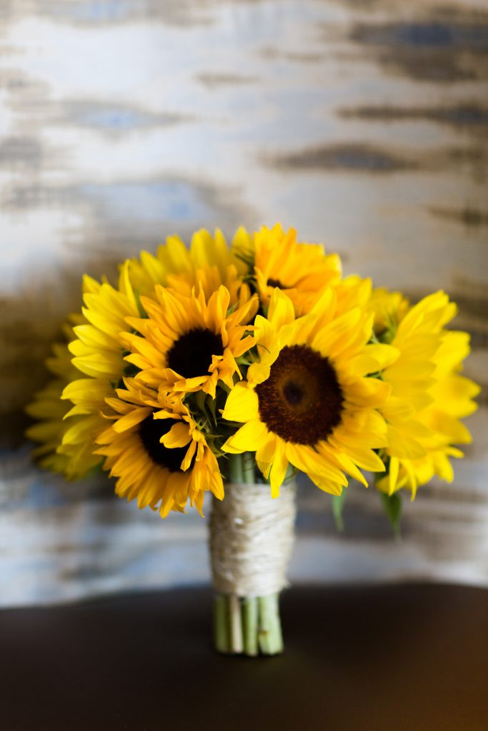 sunflower-bridal-bouquet-with-rope-nautical