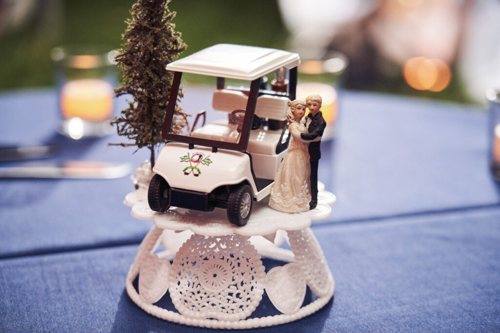 golf-cart-wedding-cake-topper