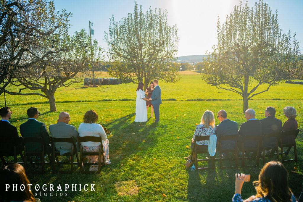 micro-wedding-ceremony-virginia-backyard