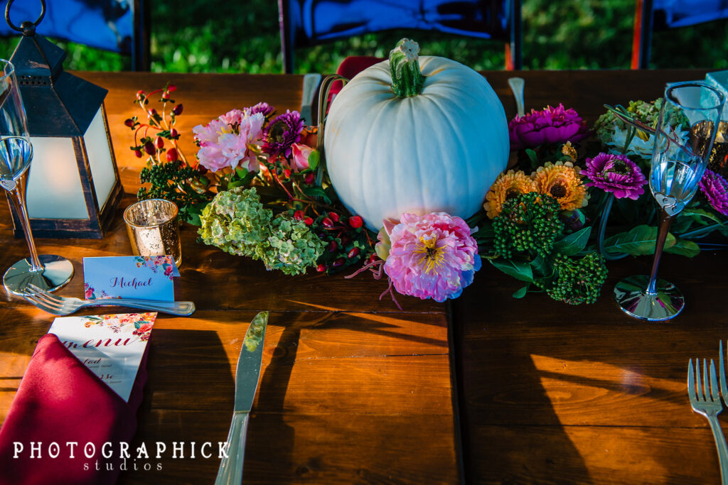 wedding-white-pumpkin-fall-inspired-tablescape